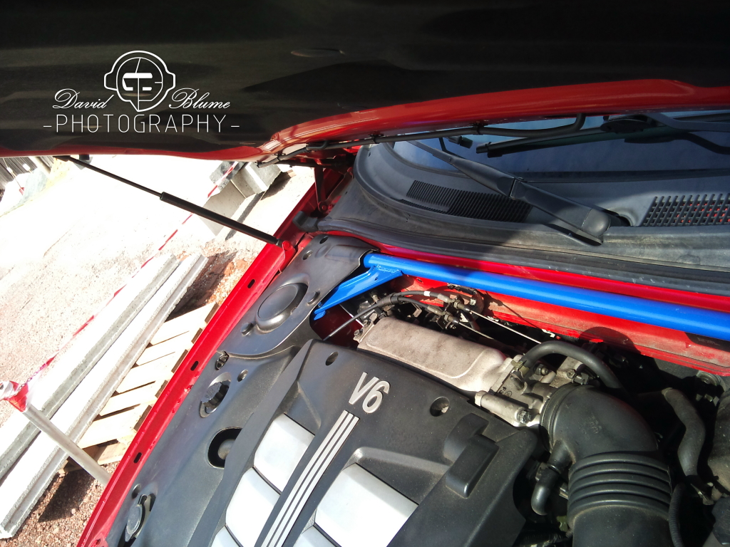 OEM strut bar Tiburon with cruise control